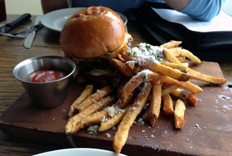 Victory 44-burger