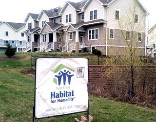 Habitat-signTH